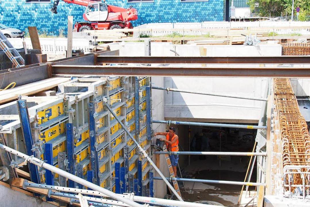 Die neue Unterführung im Bahnhof Kirchzarten wird barrierefrei sein.  | Foto: Markus Donner