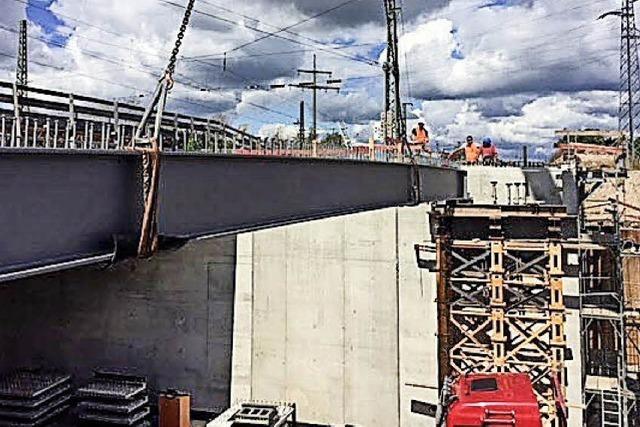 Wirtschaftsbrücke nimmt Gestalt an