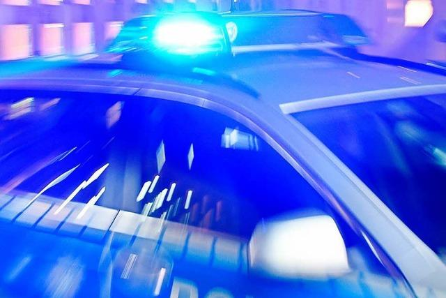 Die Polizei sucht größeres Unfallfahrzeug