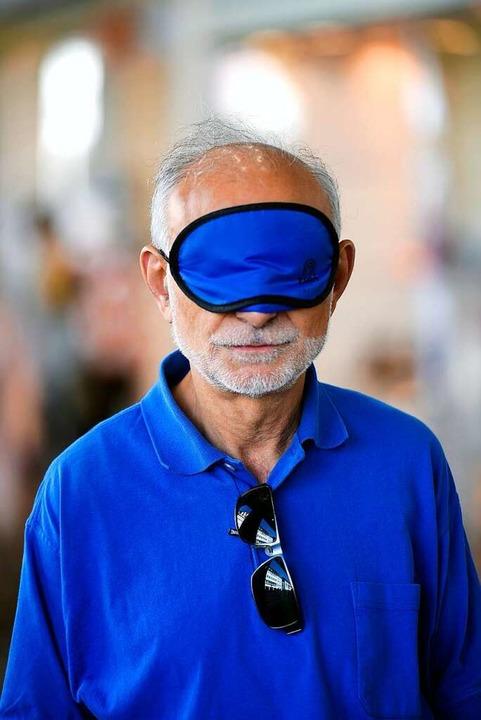 Dunkelbrille statt Sonnenbrille  | Foto: Thomas Kunz