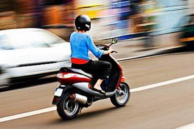 Polizei sucht Rollerfahrer nach Unfall auf der Zähringer Straße