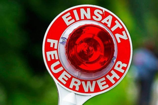Brennender Möbelabfall in Lörrach löst Feuerwehreinsatz aus