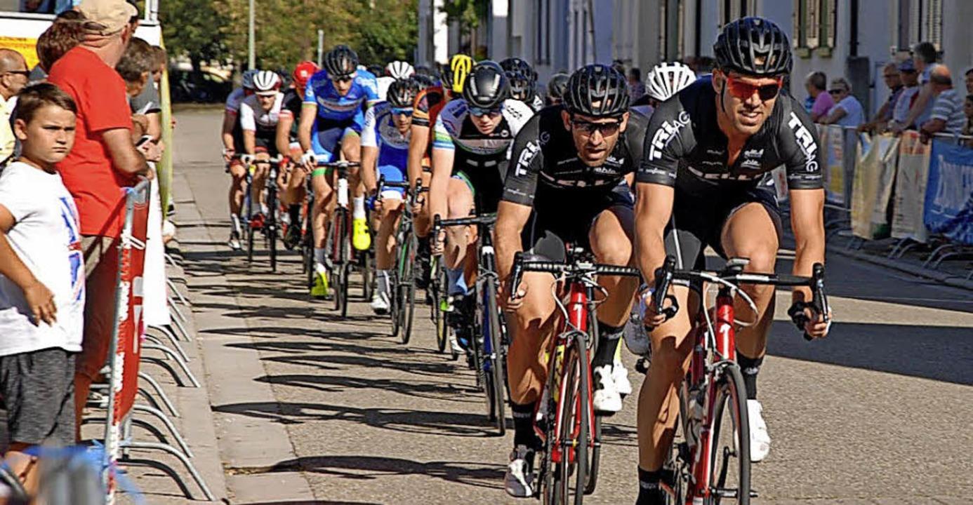 <BZ-FotoAnlauf>Radsport:</BZ-FotoAnlau...heimern Tim Nuding an Position zwei.    | Foto: Team