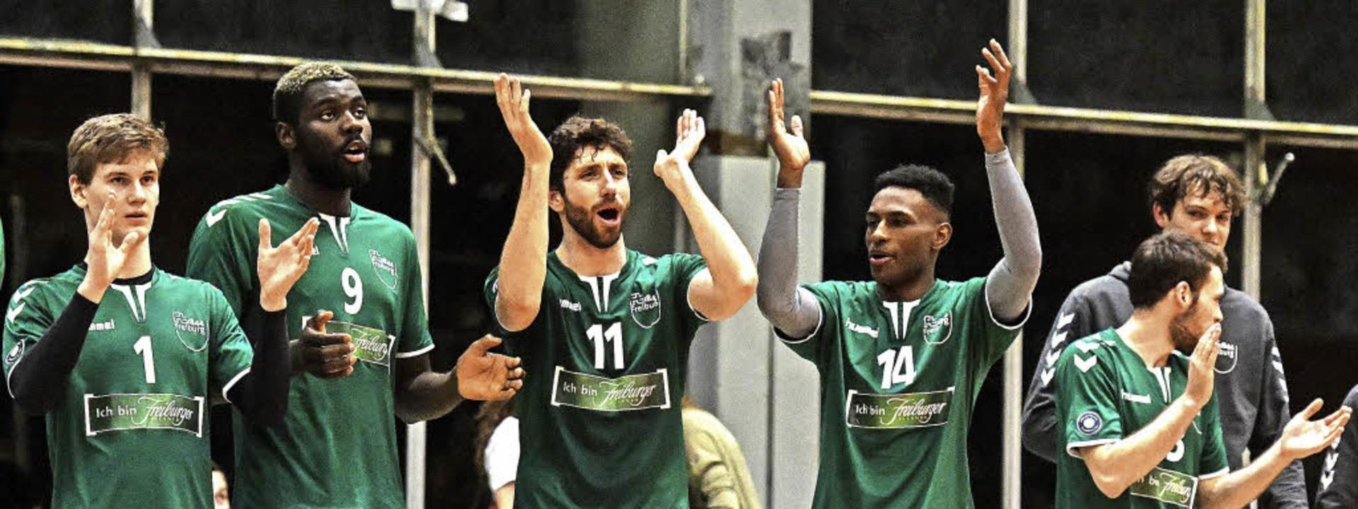 Jubeln wollen die Volleyballer der FT ...ch kommende Saison wieder regelmäßig.   | Foto: Patrick Seeger