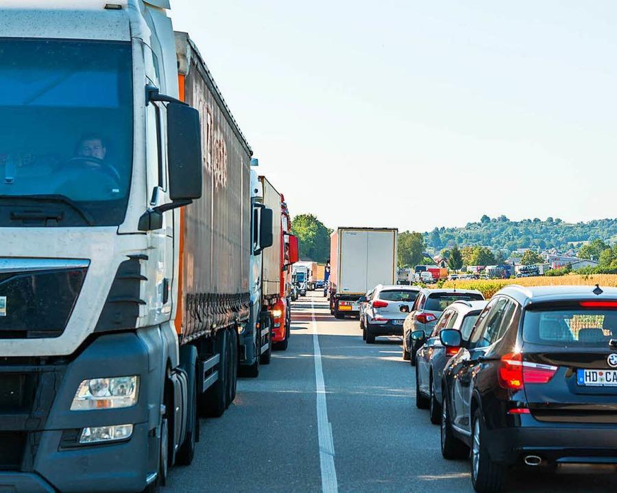 Verkehrsteilnehmer mussten am Donnerst... zwischen Mahlberger Buck und Altdorf.    Foto: Olaf Michel