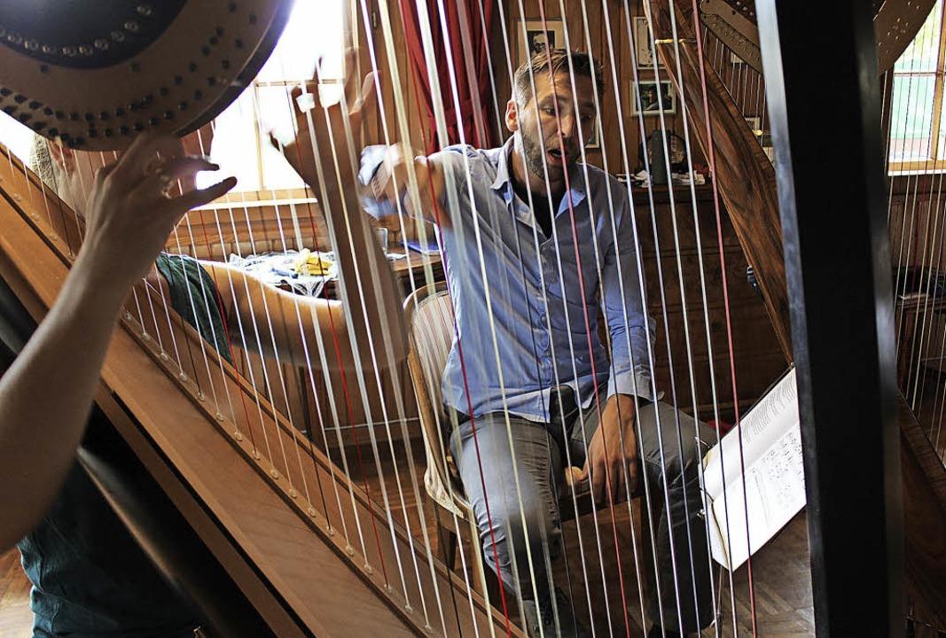 Eine konzentrierte  Atmosphäre herrsch...lostücke für die Harfe zu erarbeiten.     Foto: Erich Krieger