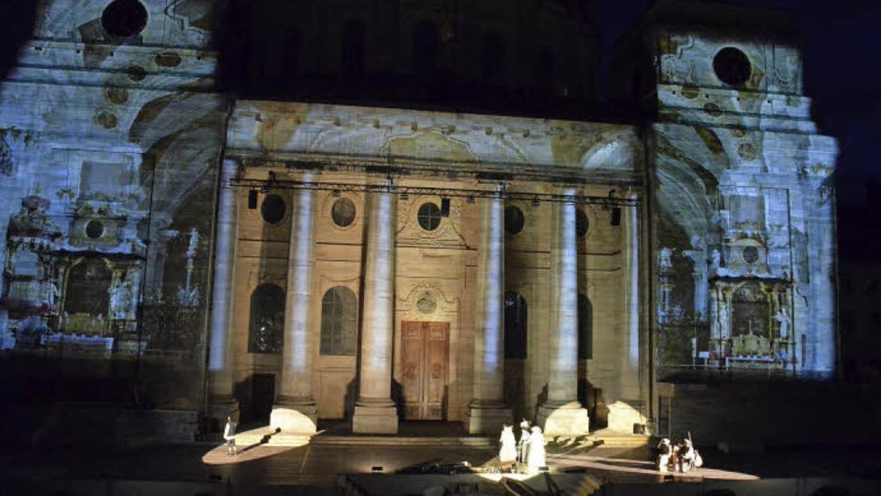 Imposante Kulisse: die Fassade des Doms im Festspiellicht    | Foto: Sebastian Barthmes