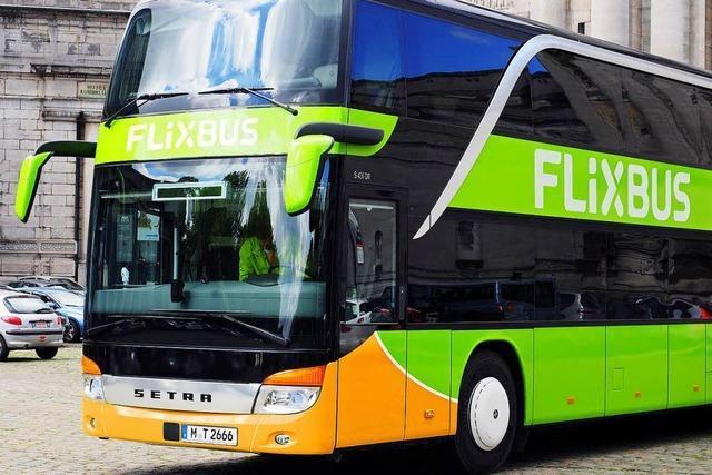 Fernbus nach Berlin auf Autobahn 19 verunglückt – viele Verletzte