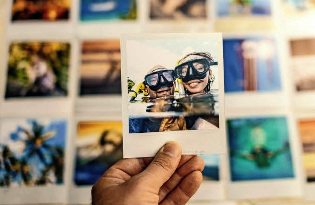 In Erinnerungen zu schwelgen macht nic...r von der Urlaubserholung zu zehren.    | Foto: Konstantin Trubavin/Westend61/dpa-tmn