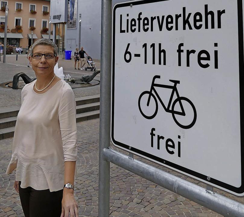 Setzt sich für einen Poller auf Höhe d... am Spitalplatz  ein: Carola Plassmann  | Foto: Jannik Jürgens