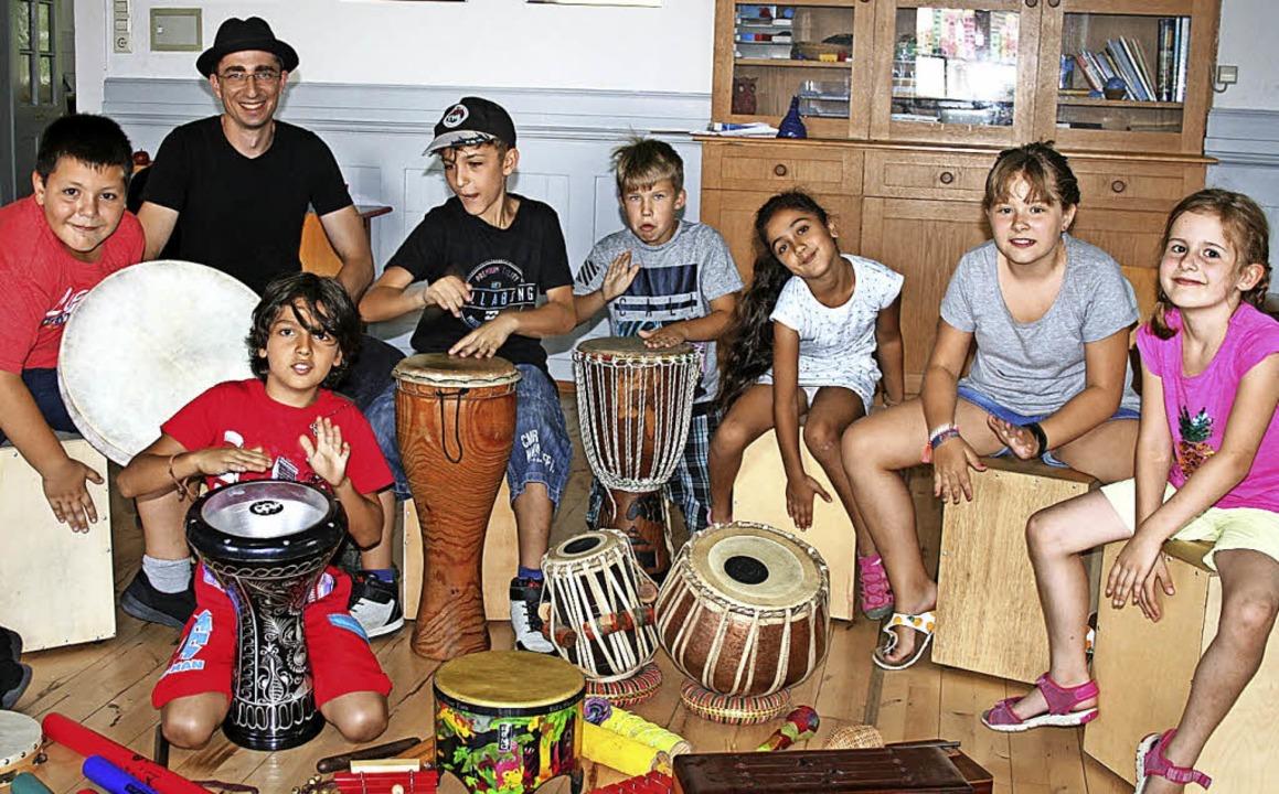 Entspannt trommeln lernen bei Dorfstüb...m Maulburger Ferienprogramm  angesagt.  | Foto: Ralph Lacher