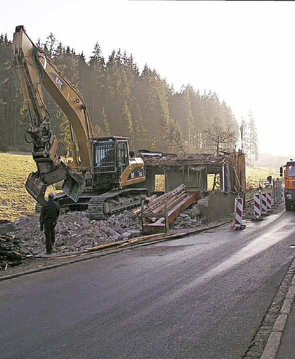 2004: Haus Doll wird abgebrochen  | Foto: Gert Brichta