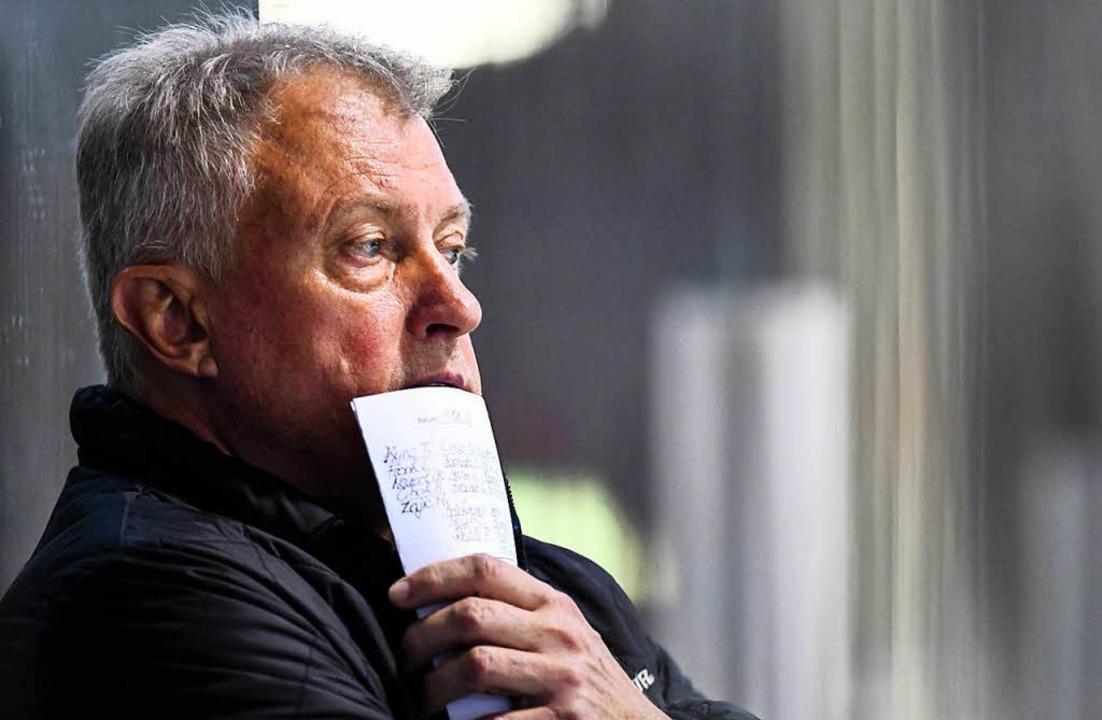 Trainer Leos Sulak mag nicht so recht, was er da sieht (Archivbild)  | Foto: Patrick Seeger
