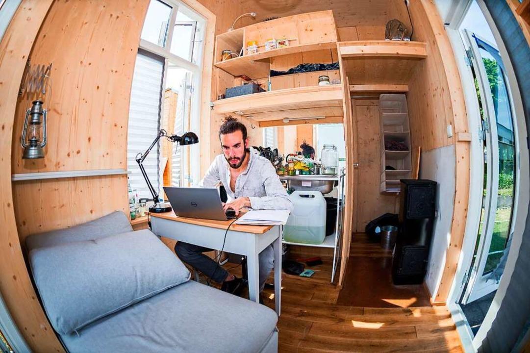 Studienplatz ist in der kleinsten Hütt...nstbehausungen auf dem Bauhaus-Campus.  | Foto: Alexander Heinl