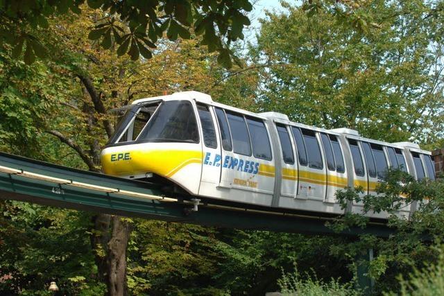 Unfall im Europa-Park: Zwei Züge des EP-Express stoßen zusammen