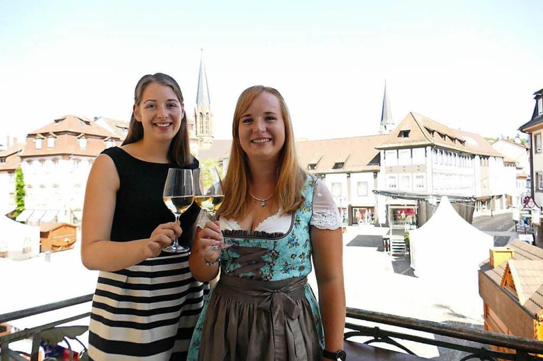Miriam Kaltenbach, Breisgauer Weinprin...ewählte Weinprinzessin Claudia Vetter.  | Foto: Hannah Reinbold