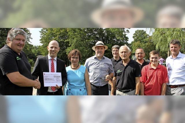 9000 Euro für die Arbeit der DLRG Offenburg
