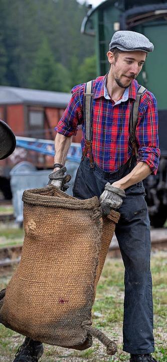 Kohlesäcke gab es früher jede Menge zu schleppen.  | Foto: Wolfgang Scheu