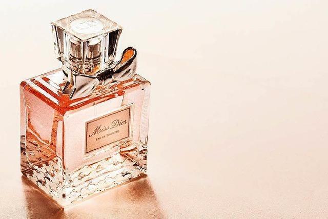 Diebespaar in Lörrach hat Parfüm für mehrere tausend Euro im Auto