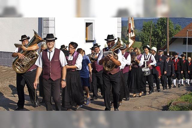 Böllerschüsse zur Eröffnung des Kirchenfestes