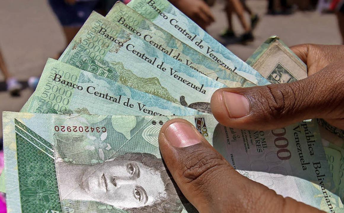 Die venezolanische Währung Bolivar ist nichts mehr wert.   | Foto: AFP