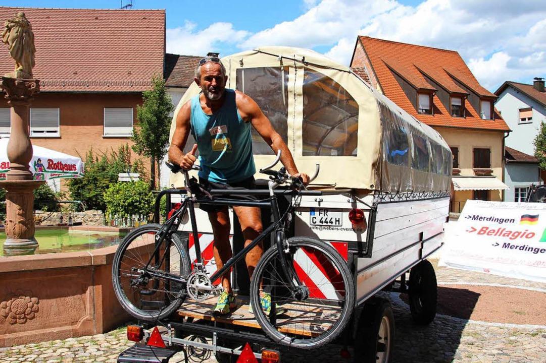 Auf seine Tour hatte Kilian Weber auch ein Fahrrad mitgenommen.  | Foto: Mario Schöneberg
