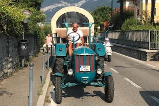 Merdinger fährt mit Oldtimer-Traktor über die Alpen