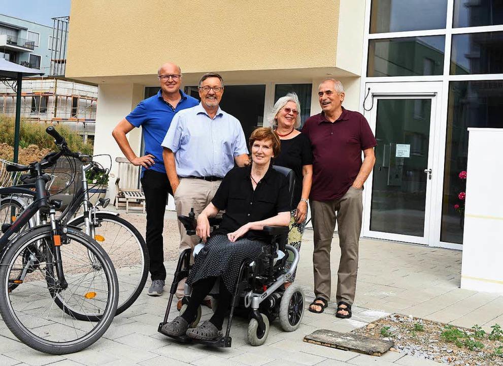 Fünf der 24 Bewohnerinnen und Bewohner.  | Foto: Rita Eggstein
