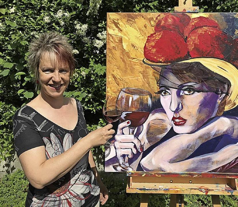 Inge Gründel-Pfaff mit einem ihrer Werke    Foto: Veranstalter