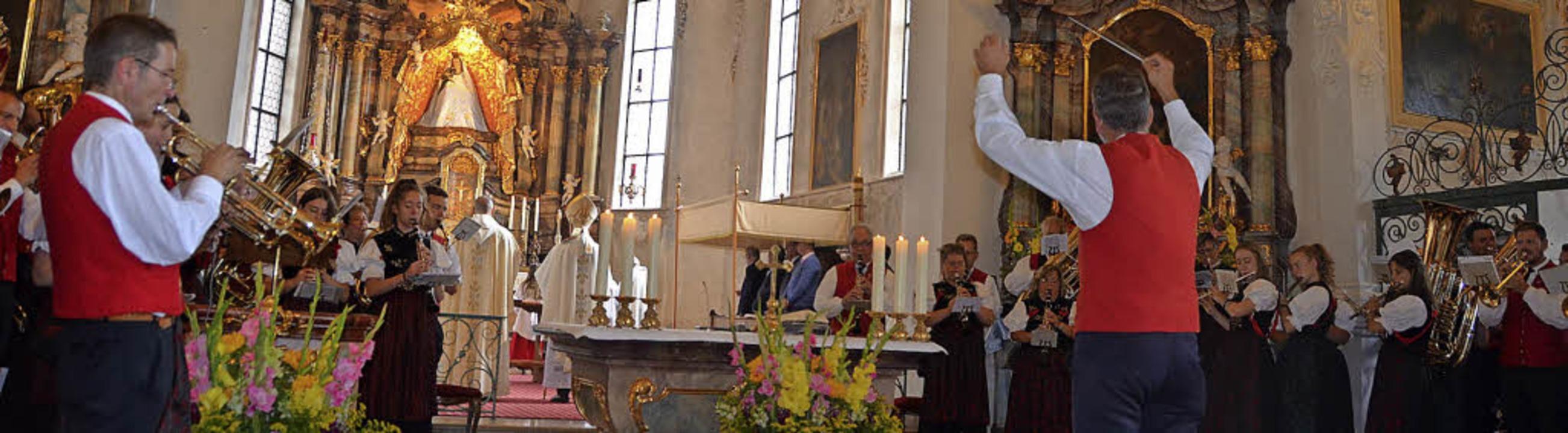 Mit dem gemeinsamen gesungenen und von...zum Patrozinium der Wallfahrtskirche.     Foto: Christiane Sahli