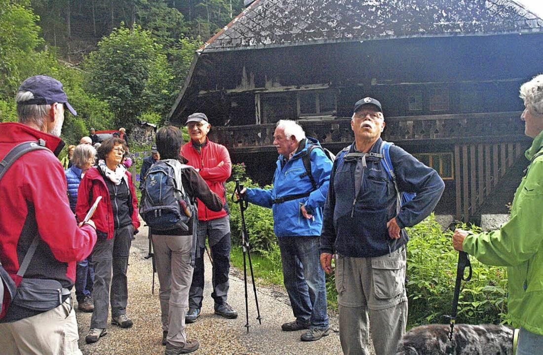 Auch die Wandergruppe, hier oberhalb d...nie in der Höll nicht eindeutig klären  | Foto: Karin Stöckl-Steinebrunner