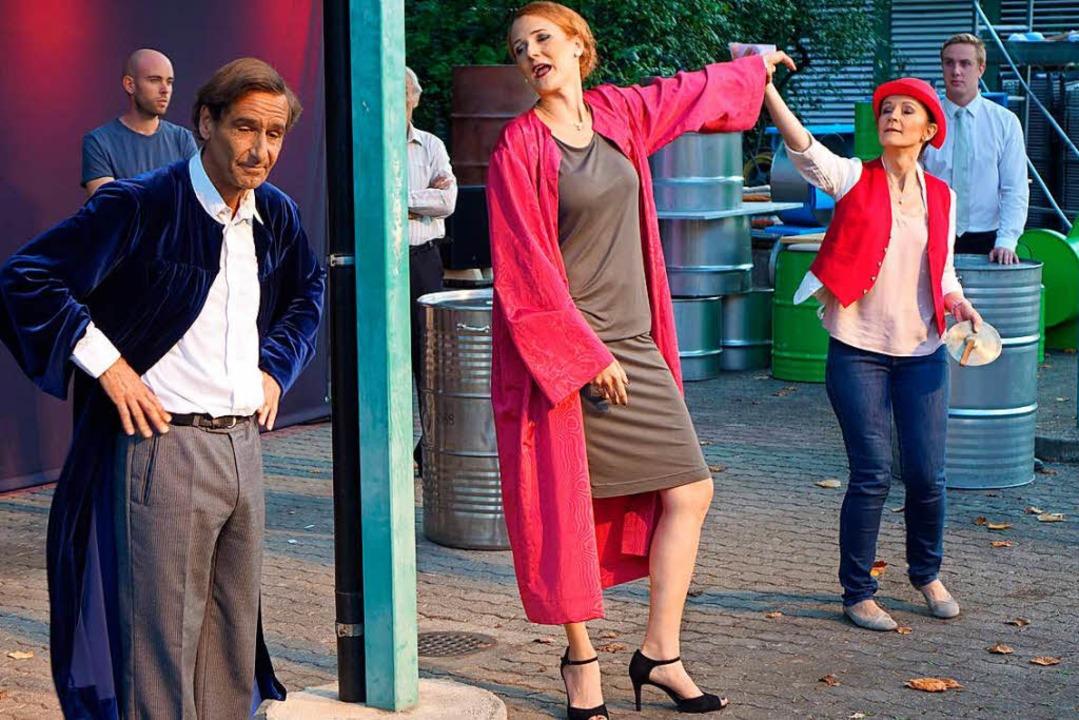 Im Prolog zur modernen Fassung von Ibs...htsstreit um die Deponie in Muttenz an  | Foto: Roswitha Frey
