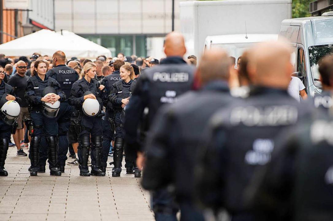 In der Gewerkschaft der Polizei in Baden-Württemberg rumort es.  | Foto: dpa