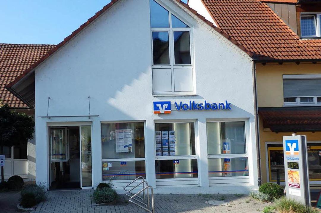 Die Volksbank-Filiale in der Inzlinger...vor wenigen Jahren gründlich umgebaut.  | Foto: Johanna Hoegg