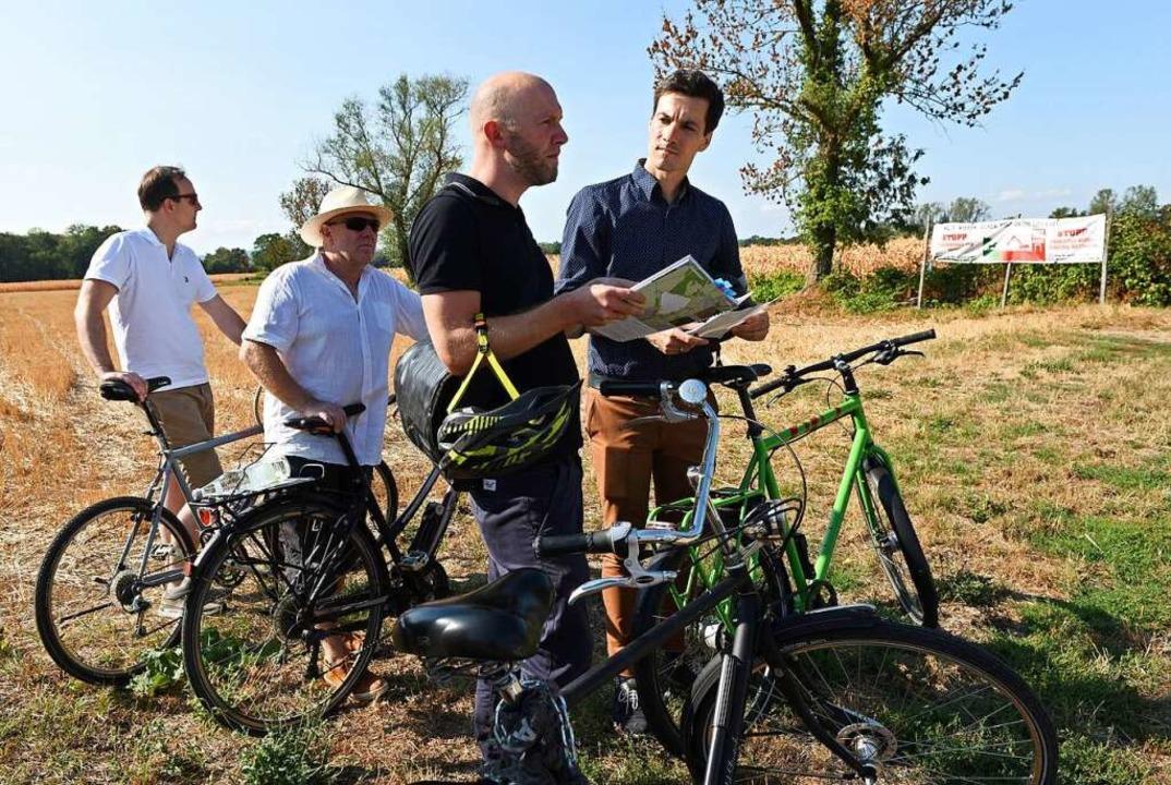 Vor Ort: OB Martin Horn (rechts) und  ...euker von der Projektgruppe Dietenbach  | Foto: Rita Eggstein