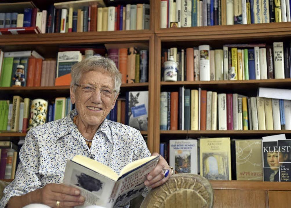 Bis heute arbeitet Ragni Maria Gschwend (82) als Übersetzerin.   | Foto: Thomas Kunz