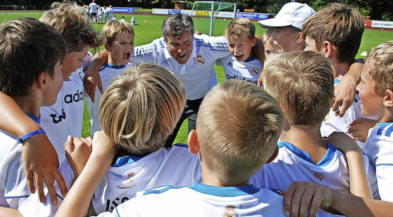 """Uno, dos, tres"", ruft Pet...hreien: ""hala Real Madrid""  | Foto: ruoff"