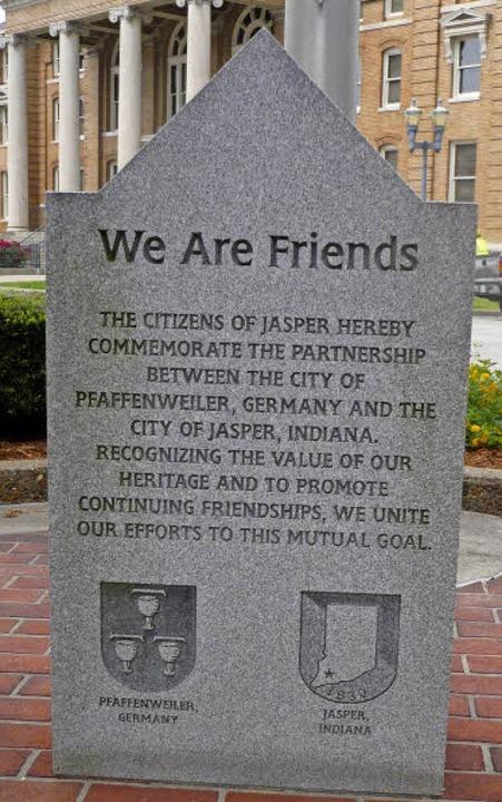 Ein Zeichen der Partnerschaft zwischen Jasper und Pfaffenweiler   | Foto: Franz Hilger