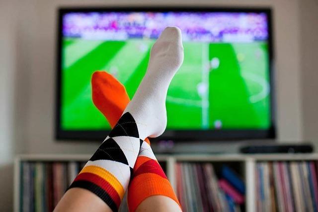 Der aufgeblasene Ball: Die Fußballberichterstattung im Fernsehen ufert immer mehr aus