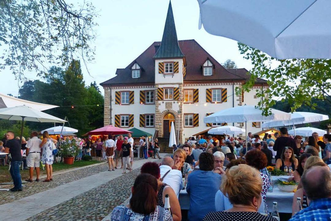 Die Schliengener Weintage finden im Sc... des Wasserschlosses Entenstein statt.  | Foto: Juliane Meier/Gemeine Schliengen