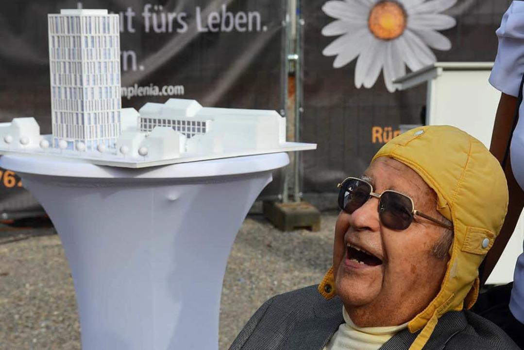 Die gelbe Kappe war Karl Helmut Eberles Markenzeichen.  | Foto: Nikolaus Trenz