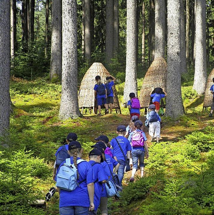 Waldgeister machten sich auf die  Suche nach Insekten.  | Foto: Michaela Sulz