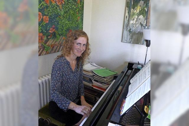 Junge Pianistin plant Hauskonzerte