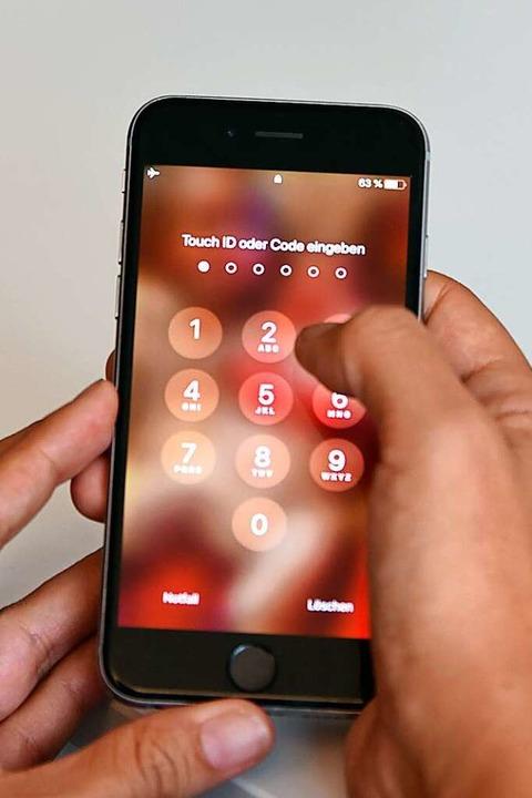 Auch sechstellige Smartphone-Codes können schnell geknackt werden.  | Foto: Jonas Hirt