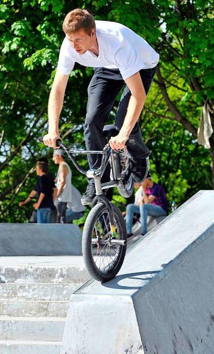 Nicht nur Skateboarder nutzen die Anla...h BMX-Fahrer sind auf ihr unterwegs...  | Foto: Michael Bamberger