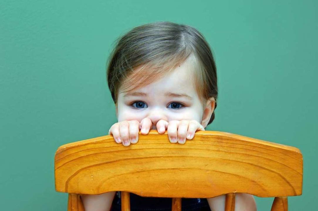 Schüchterne Kinder beobachten erst ein...#8211; am besten aus sicherer Distanz.  | Foto: bonniemarie - stock.adobe.com