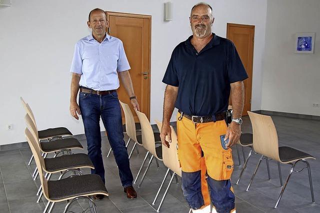 Neue Stühle für die Einsegnungshalle