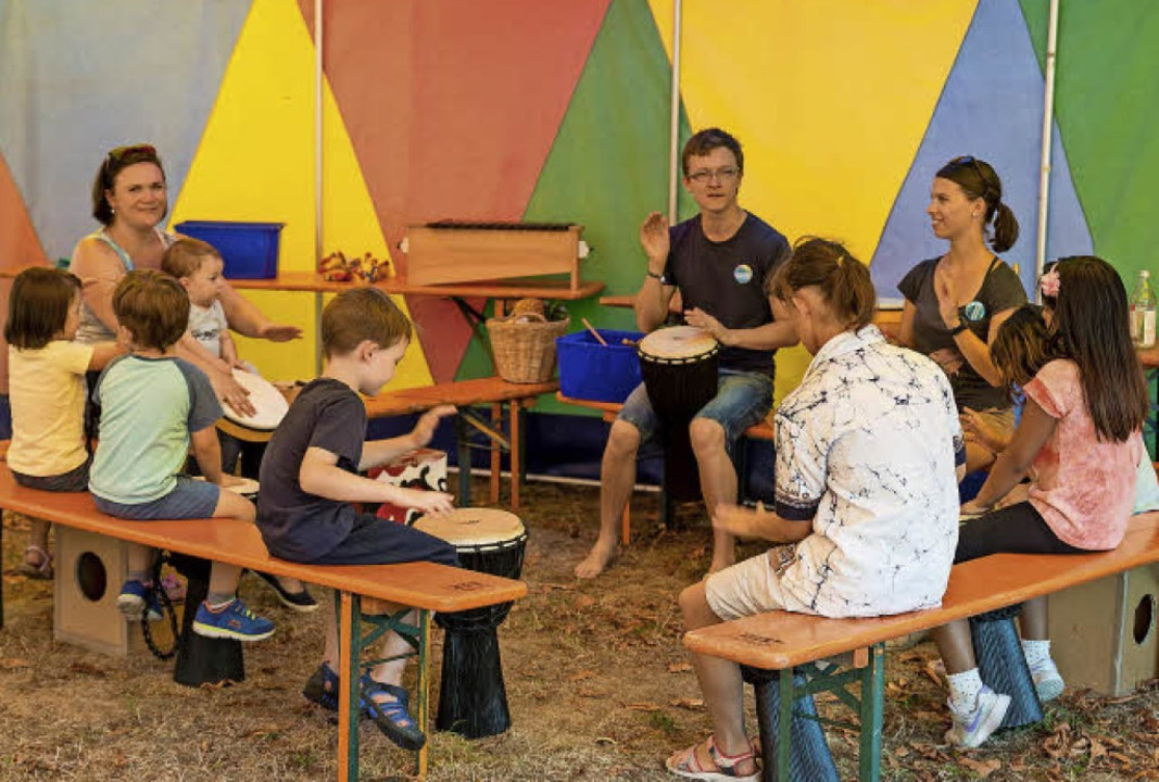 Musikworkshops gibt es an jedem der Spielmobil-Ferientage.  | Foto: Lynn Sigel