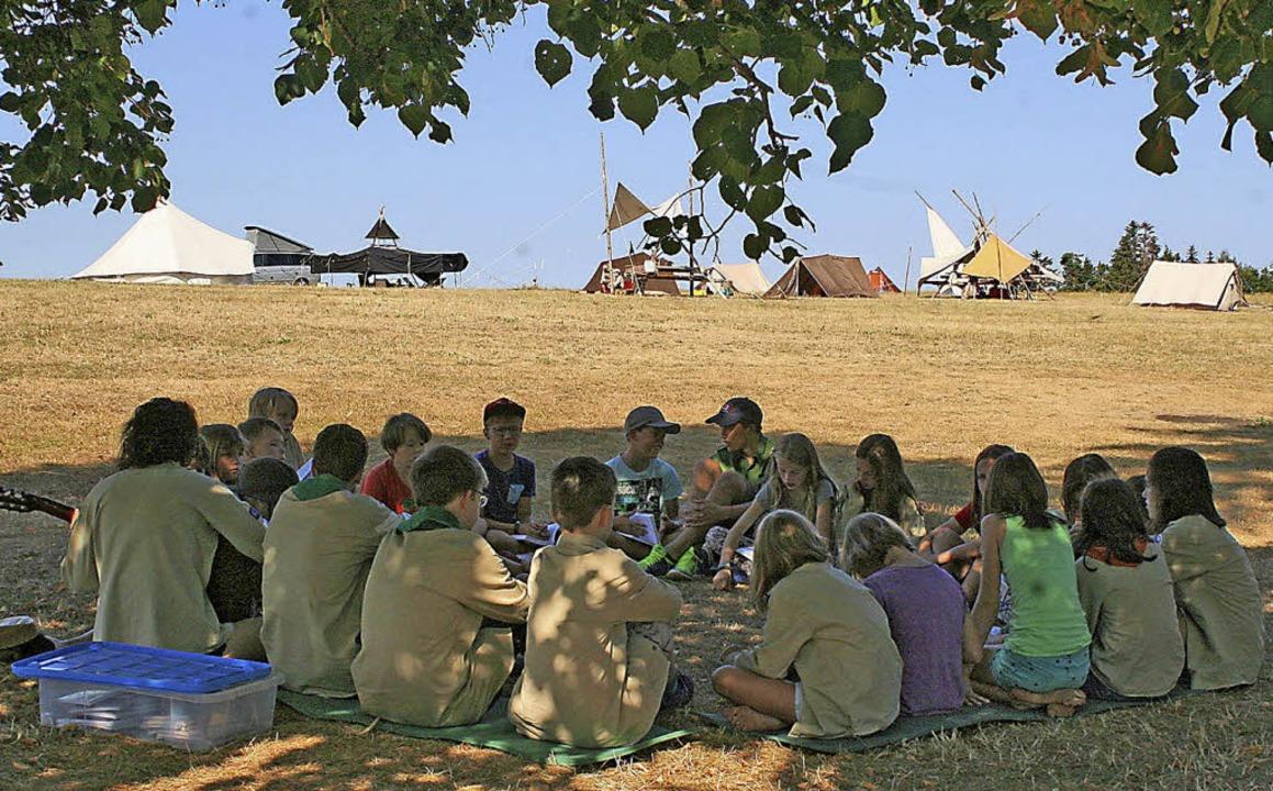 Kirchzartener Pfadfinder im Sommerlager  in Nöggenschwiel     Foto: Heitz