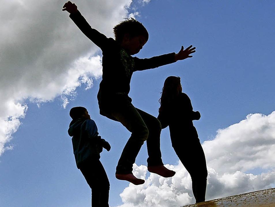 Bewegungsmangel ist für viele Kinder ein Problem.   | Foto: dpa